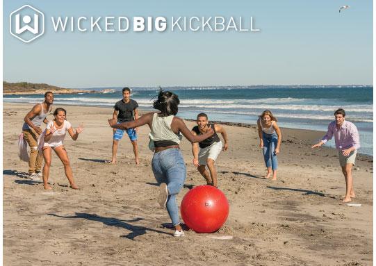 Main-Kickball